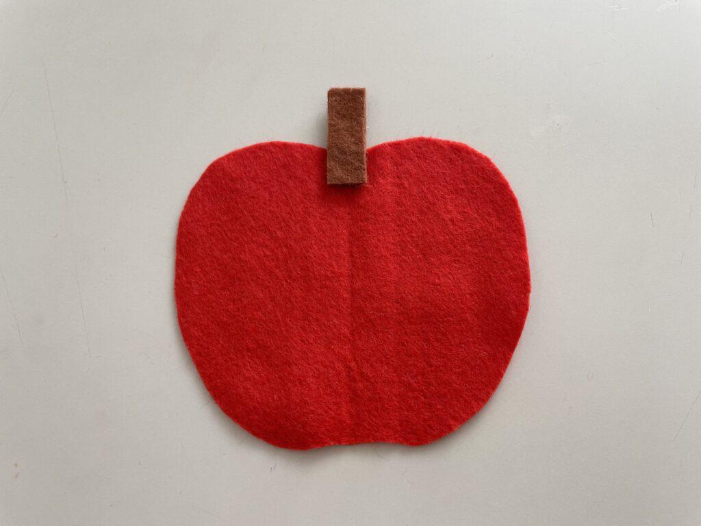 りんごの名札 えだの付け方の写真